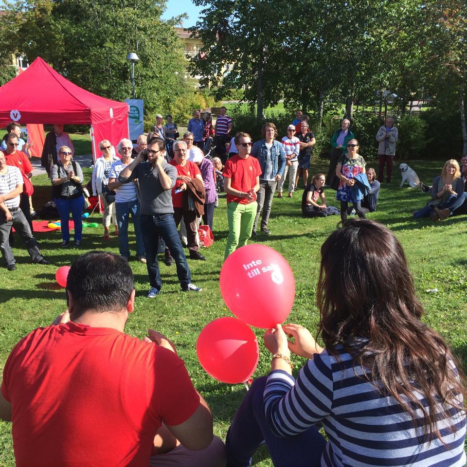 En hel del människor hade kommit till Vallbydagen enbart för att lyssna på vår partiledare.